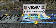 Ankara'da Jandarma Yol Kenarında Mühimmat...