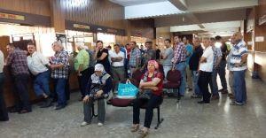 Aydın'da Vatandaş Vergi Dairesine Hücum Etti Kuyruk Oluştu
