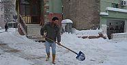 Balıkesir'de Kar Küreyen İşçi 6 Altın Bilezik Buldu