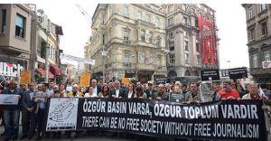CHP Gazetecilerle Beraber Taksim'e İndi