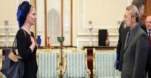 Hollanda'lı Bayan Vekilin İran'da Giydiği Kıyafetler İran'ı Ayağa Kaldırdı
