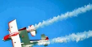 İtalya'da Akrobasi Gösterisi Yapan İki Uçak Çarğıştı!