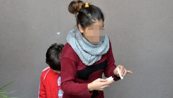Uyuştucu Krizine giren Genç Annesini ve Kız Kardeşini Rehin Aldı