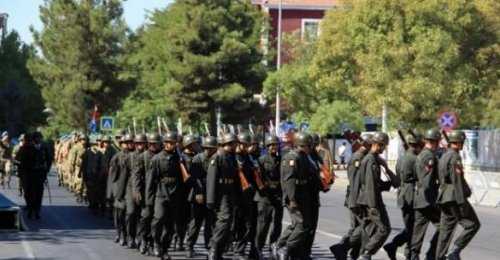 Asker Diyarbakır Sokaklarını İnletti