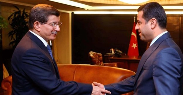 HDP'lilerin Nefret Ettiği Bütün AKP'liler Bugün HDP'nin Kapısını Çalacak!