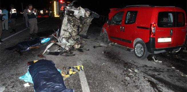 Yürek Burkan Kaza! 2 Ölü Beş Aylık Bebek ve Çok Sayıda Yaralı