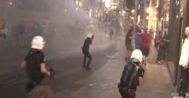 Barış Gününde Taksim'i Savaş Alanına Çevirdiler! Polis Müdahale Etti!