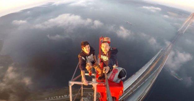 3. Köprünün En Tepesine Çıktılar Selfie Keyfi Yaptılar!