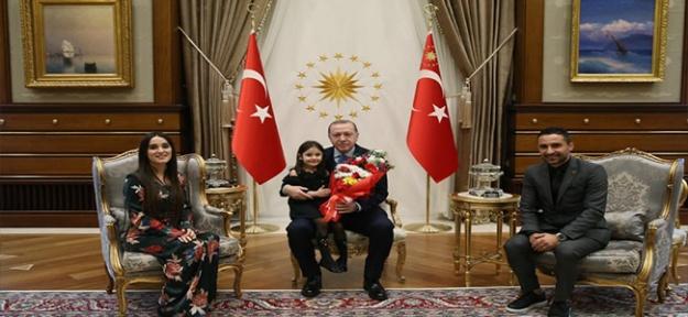 Minik Irmak, Cumhurbaşkanı ile Külliye'de Buluştu
