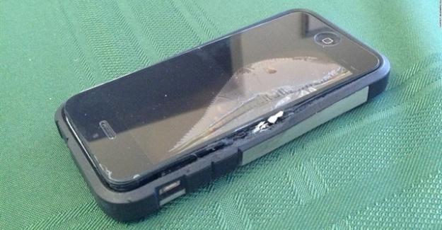 Küçük Çocuk Şarjda Patlayan Telefon Yüzünden Gözünü Kaybetti!
