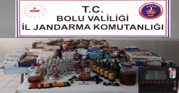 Bolu'da ruhsatsız silah ve kaçak alkollü içecek operasyonu