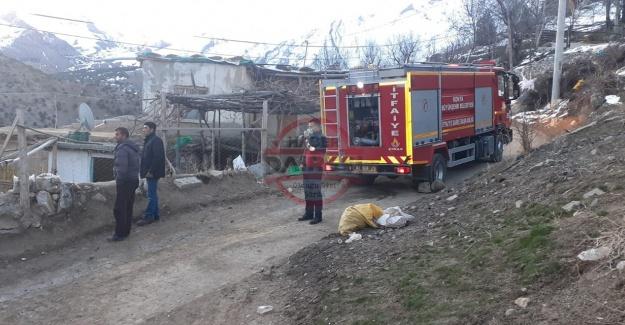 Konya'da anne ve oğlunun yaşadığı 2 ev yandı