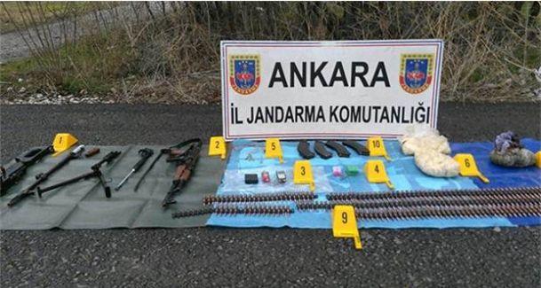 Ankara'da Jandarma Yol Kenarında Mühimmat Ele Geçirdi