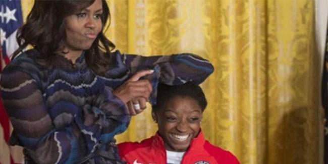 Bayan Obama'dan İlginç Hareket!