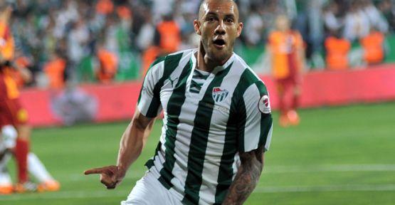 Galatasaray, Fernandao'nun Yakasını Bırakmıyor