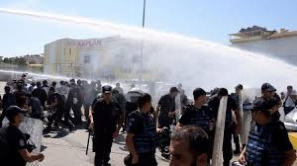 PKK'lı öğretmenlerden provokasyon