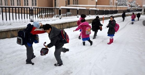 Sinop'ta Okullar Tatil Edildi? Sinopta Okullar Tatil Mi? Kar Tatili 18 Şubat Çarşamba
