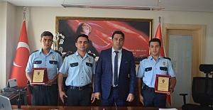 Bodrum'un Ayın Polislerine Plaket Verildi