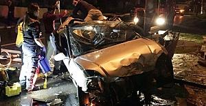 Bodrum'da Islak Zeminde Otomobil Kontrolünü Kaybetti: 1 Ölü, 2 Yaralı
