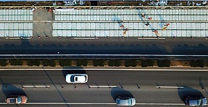 Çin'de Elektrikli Araçlar Yolda Şarj Olabilecek