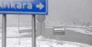Bolu Dağı'nda Kar ve Sis Ulaşımı Zorlaştırıyor