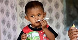 Günde 2 Paket Sigara İçen 2 Yaşındaki Çocuk Şok Etti!