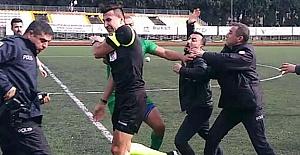 Amatör Lig'de Hakeme Futbolcular ve Taraftarlardan Saldırı