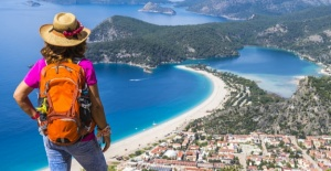 Turizmden yıl sonunda 15 milyar dolar gelir beklentisi