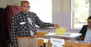 Bağımsız Vekil Adayı Bir Oy Aldı! Onuda Kendisi Verdi!