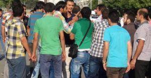 Ülkücüler Suriye'lilere Yardım Dağıttı, Suriye'liler Kavga Çıkardı