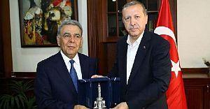 Reis'i Cumhuru Ağırlayan İzmir BŞB'ye Şok Tepki!YOKUZ!