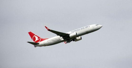 THY Uçağının Camı Çatladı  Nürnberg Havalimanı'na Acil İniş Yaptı