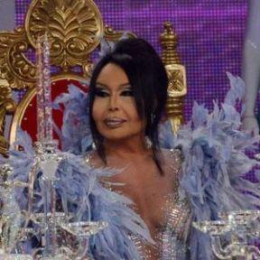 Ünlü Diva Bülent Ersoy gözyaşlarını tutamadı.